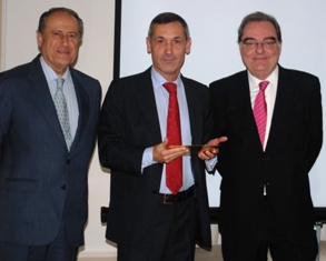 From left to right: Alfredo Revuelta, member of the board of ASESGA and jury, Jordi Díez, General Di